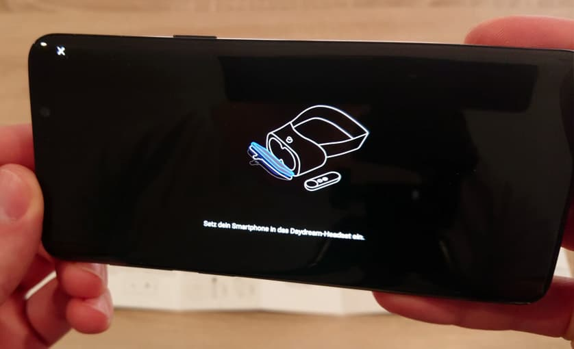 VR mit einem Handy - Smartphone einlegen