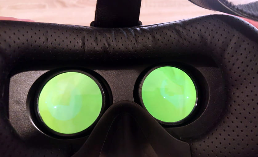 VR mit einem Handy - Blick durch die Brille